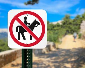 No horses sign