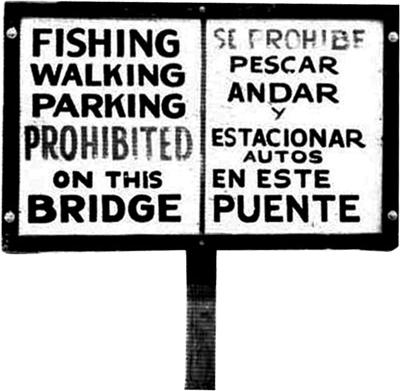 Bi-lingual No Fishing sign