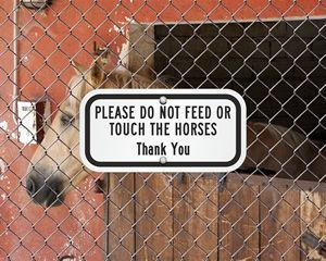 No Feeding Animals Sign