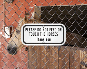 No Feeding Animals Sign